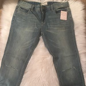 Free People Jeans - ❌SOLD❌ 🆕 Free People Skinny Low Destroyed Jeans
